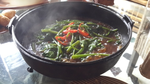 Kangkung Hot Plate Sapi (Water Spinach Hot Plate with Beef)