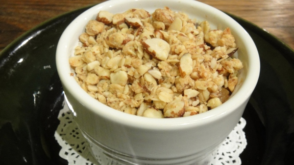 Seasonal Fruit Crumble (With apple, sultana and fig)