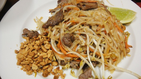 Pad Thai Noodle w/ Beef ($10.90)