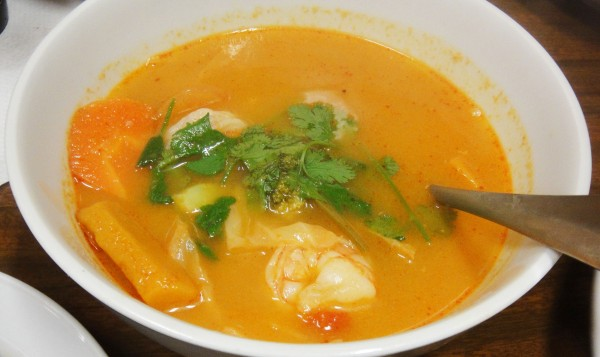 Tom Yum Prawn Soup - Lunch Special w/ Steam Rice & water ($12.90)
