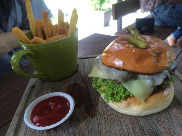 GRUB Cheeseburger