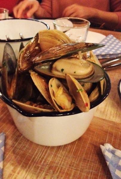 500g Mixed Scoop of Mussels & Clams ($15.50)